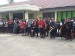 Peserta Parade Remaja Cinta Nusantara Untuk Perubahan dan Perdamaian Berkumpul di Halaman Perwakilan BKKBN Provinsi Kalimantan Barat #kalbarBisa